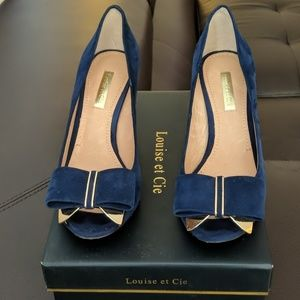 Navy Blue & Gold Suede Bow Shoes.